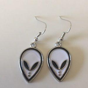 ⚠️Must Bundle⚠️Alien Earrings